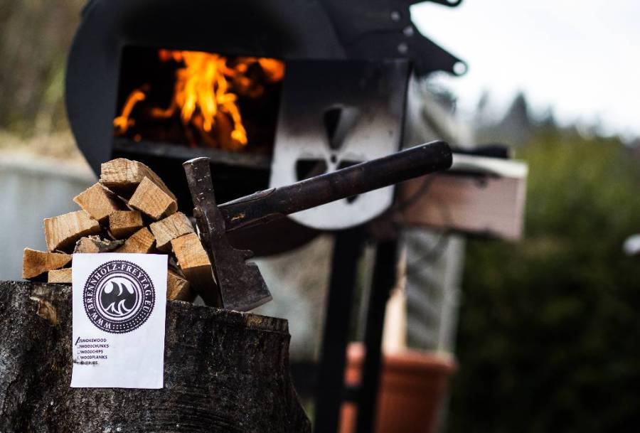 Grillholz Kirsche 8,0 kg BBQ Holz Smoker Gril Räucherholz Chunks Cherry Barbecue